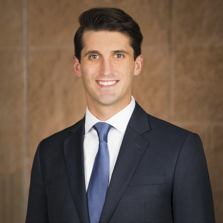 Family Law Attorney Drew Williamson Headshot Photo